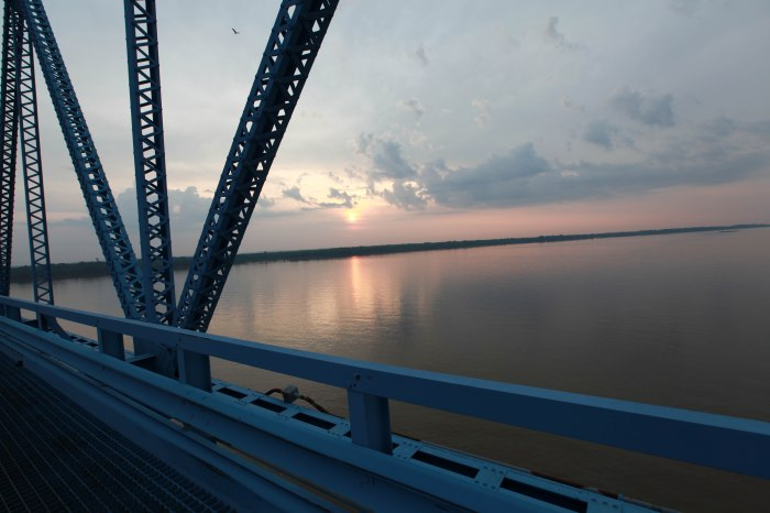 The Ohio River from The Ohio Paducah bridge.