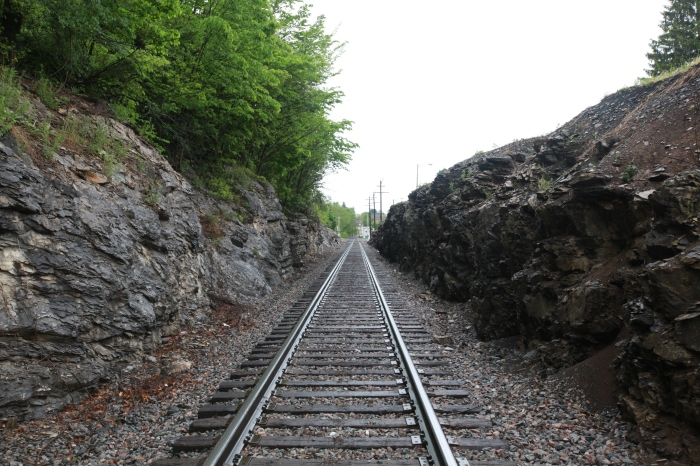 Outside Marion, VA: I'm not sure why this part of the railroad needed to be laid 5 feet below grade, but someone went nuts with the TNT.