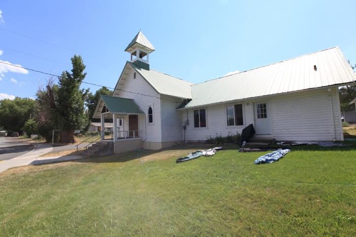 Dayville Presbyterian Church runs a wonderful hostel for bikers.