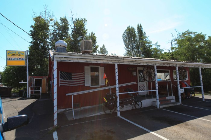 Silver Spur Diner. --Mount Vernon, OR.