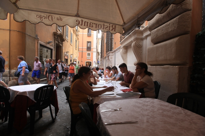 Sidewalk Cafe in Rome